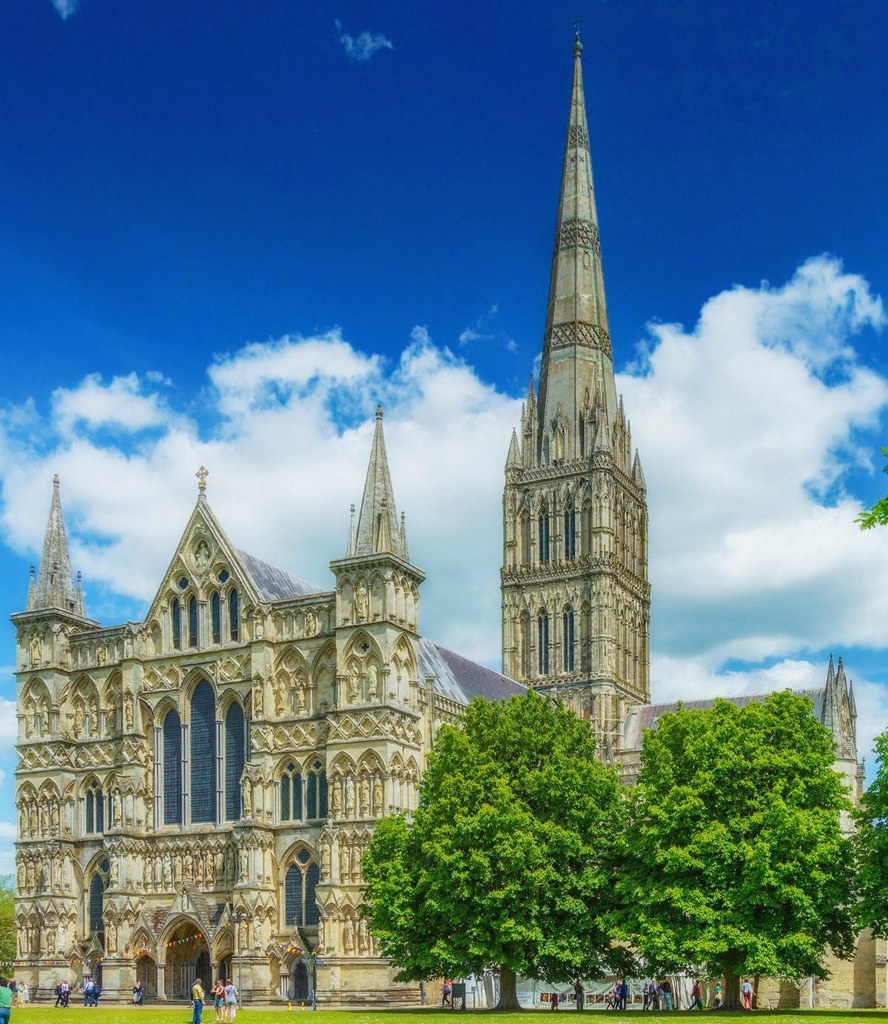 Salisbury Cathedral, Wiltshire. Credit Bellminsterboy