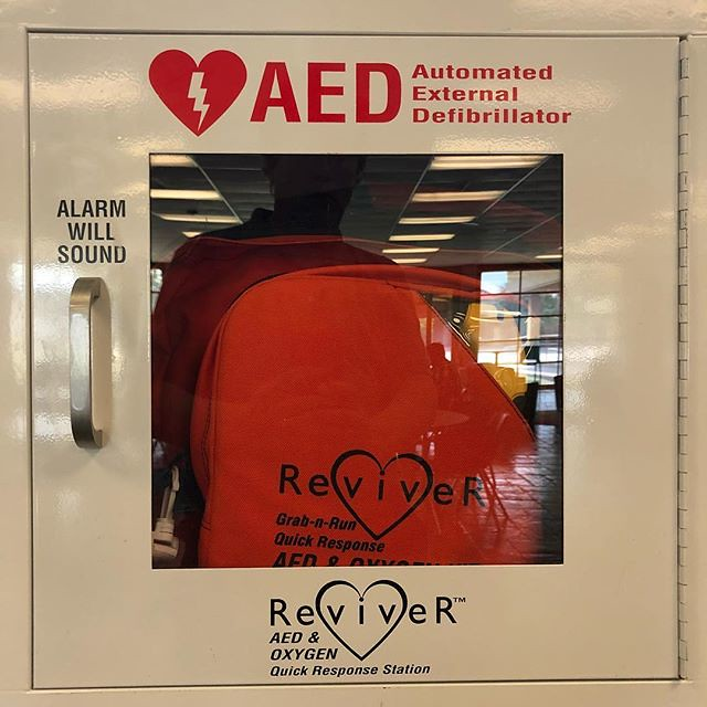 Have you had CPR/AED training? #iwontholdyoutoit #justwondering