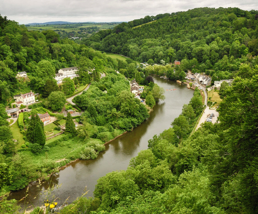 Symonds Yat on the border of Gloucestershire and Herefordshire. Credit Nilfanion