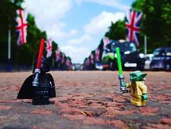 Let the battle commence #starwarslego #brickstameetlondon #igerslondonloveslego #igerslondon @brickstameet @lego #legominifigures #icu_europe #icu_britain #pallmall #unlimitedlondon #streetstyle #streetshooter #uk_shooters #streetphotographymgazine #borro