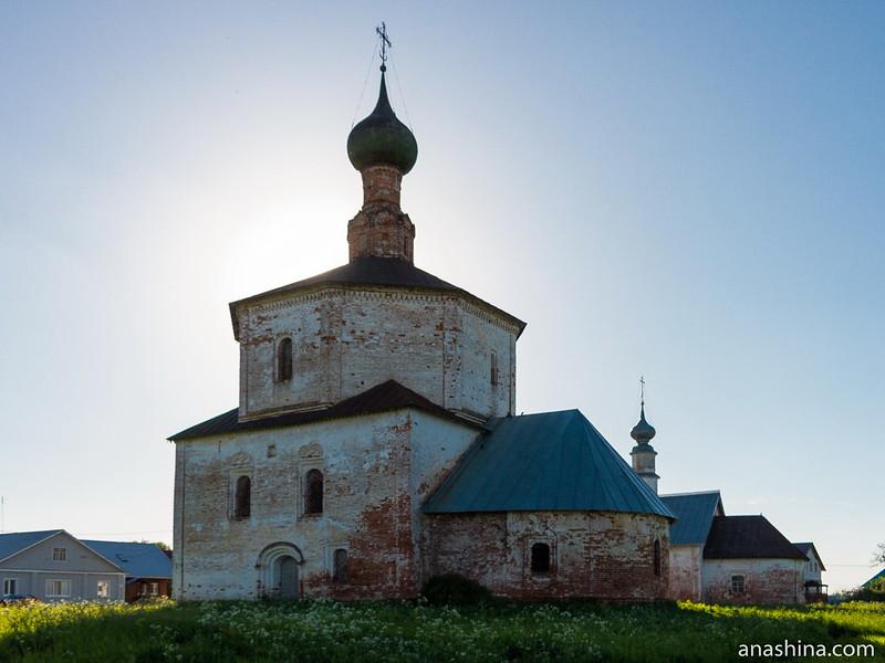 Ансамбль церкви Воздвижения Креста Господня и церкви Косьмы и Дамиана, Суздаль