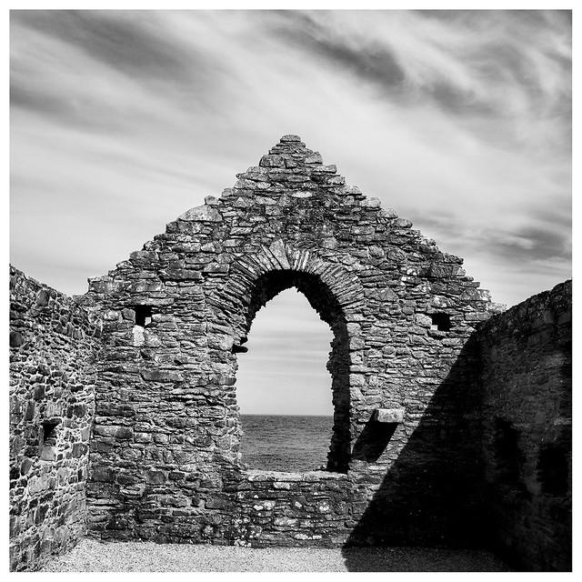 Isle of Whithorn Priory, Fujifilm X-Pro1, XF18mmF2 R