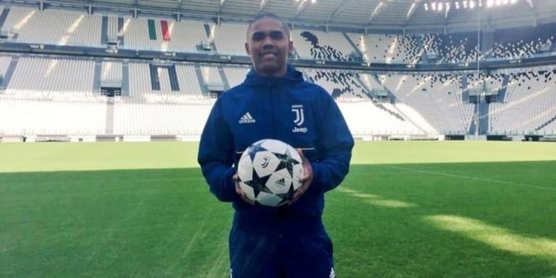 Juventus Merasa Sangat Puas Dengan Kinerja Douglas Costa