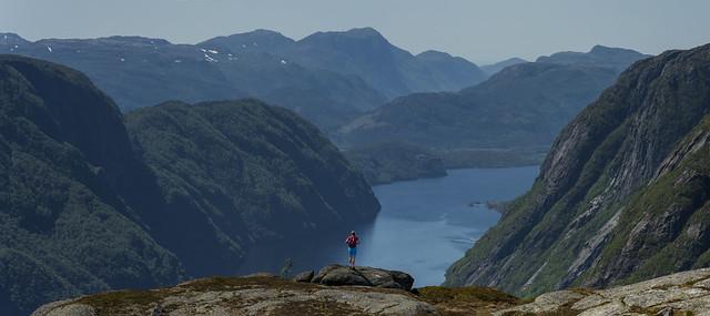 Into the mountains..., Nikon D810, Sigma 70-200mm F2.8 EX DG OS HSM