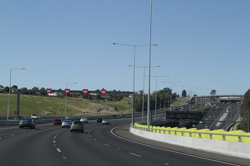 Northbound on the Western Ring Road approaching Moonee Ponds Creek