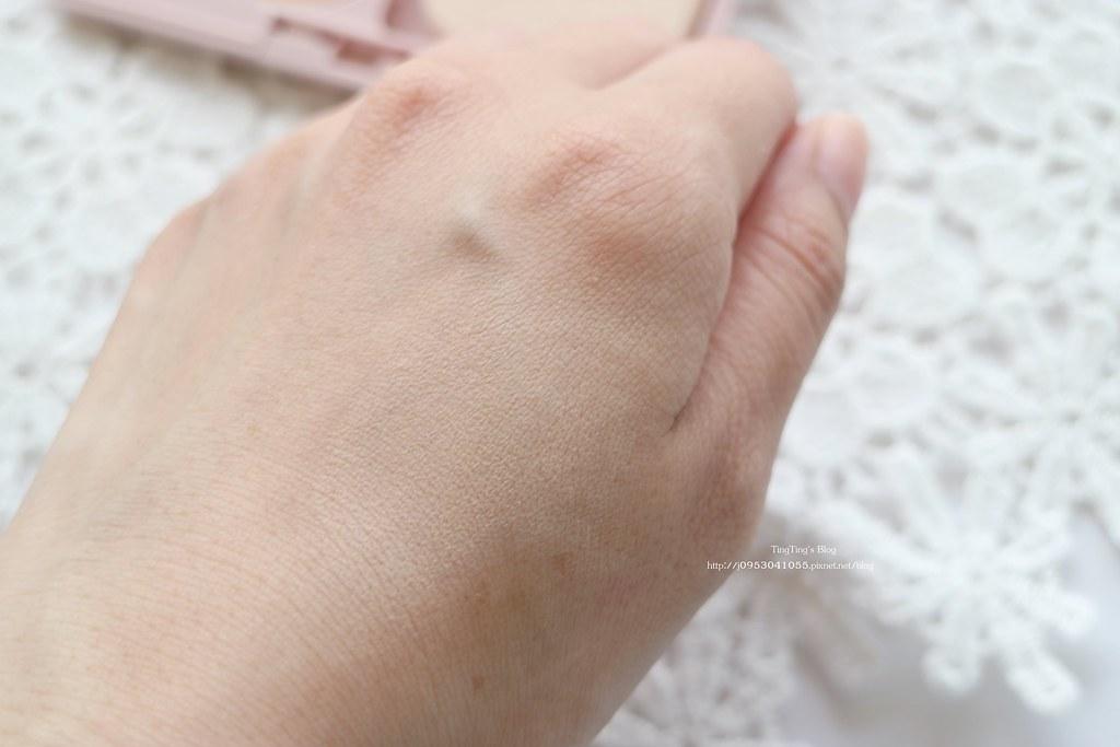 COFFRET D'OR光透裸肌粉餅UV10周年限定款 (1)