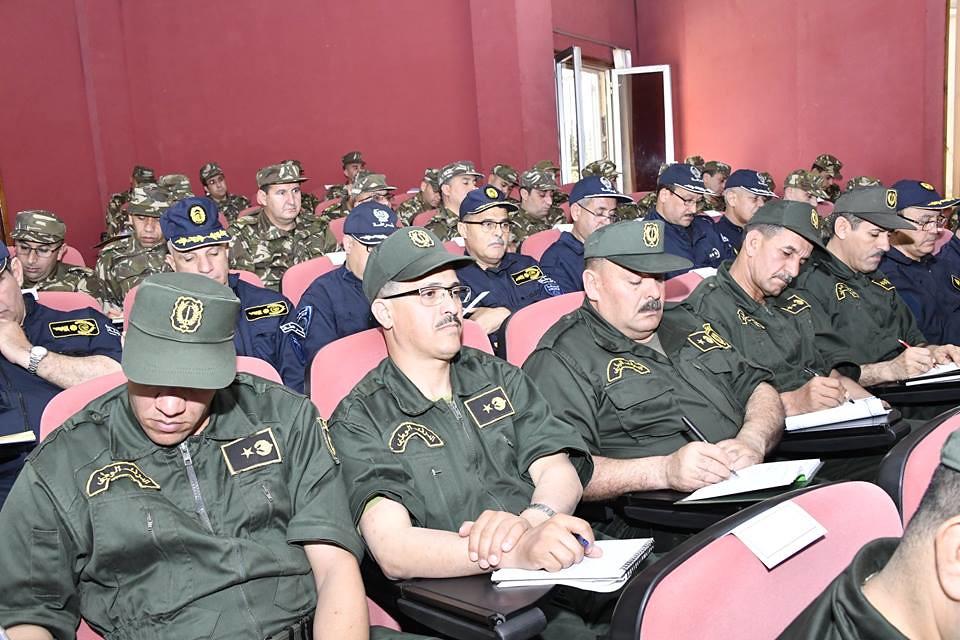 الجزائر : صلاحيات نائب وزير الدفاع الوطني - صفحة 23 28769976118_ab8b633990_b