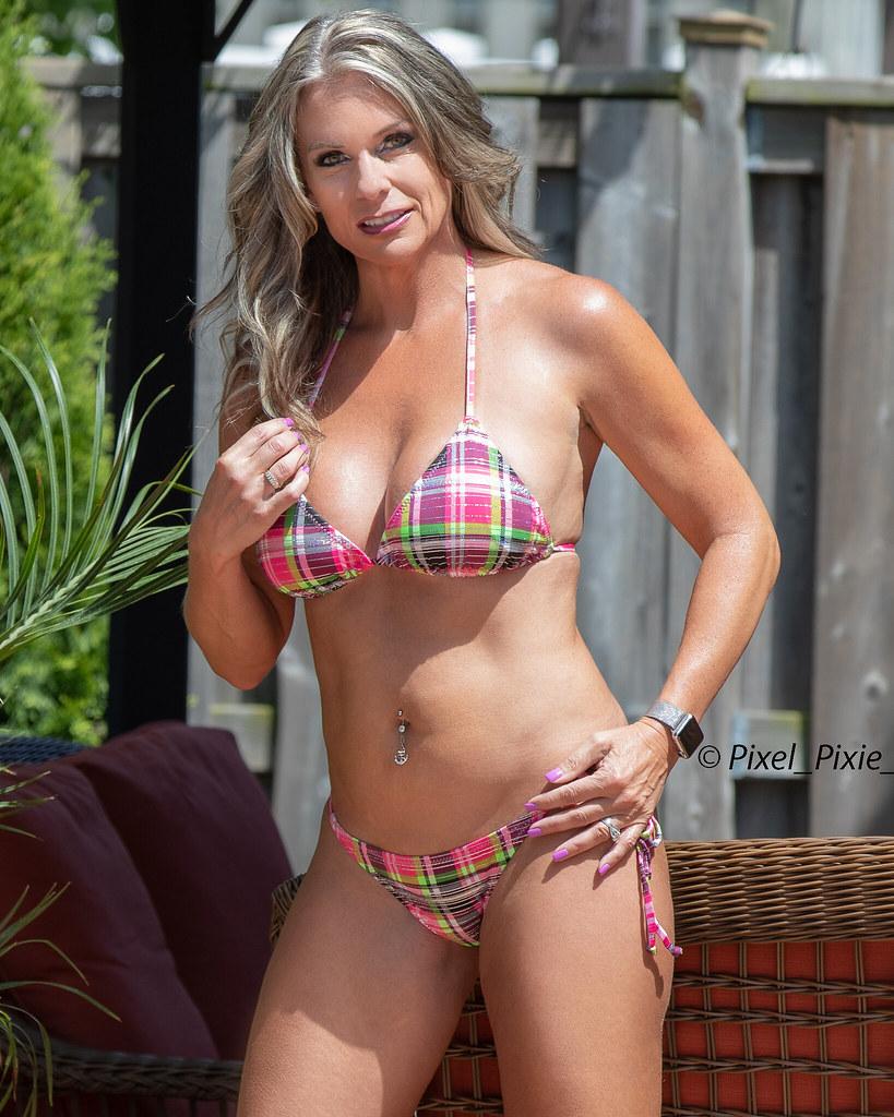 Milf Bikini-3598