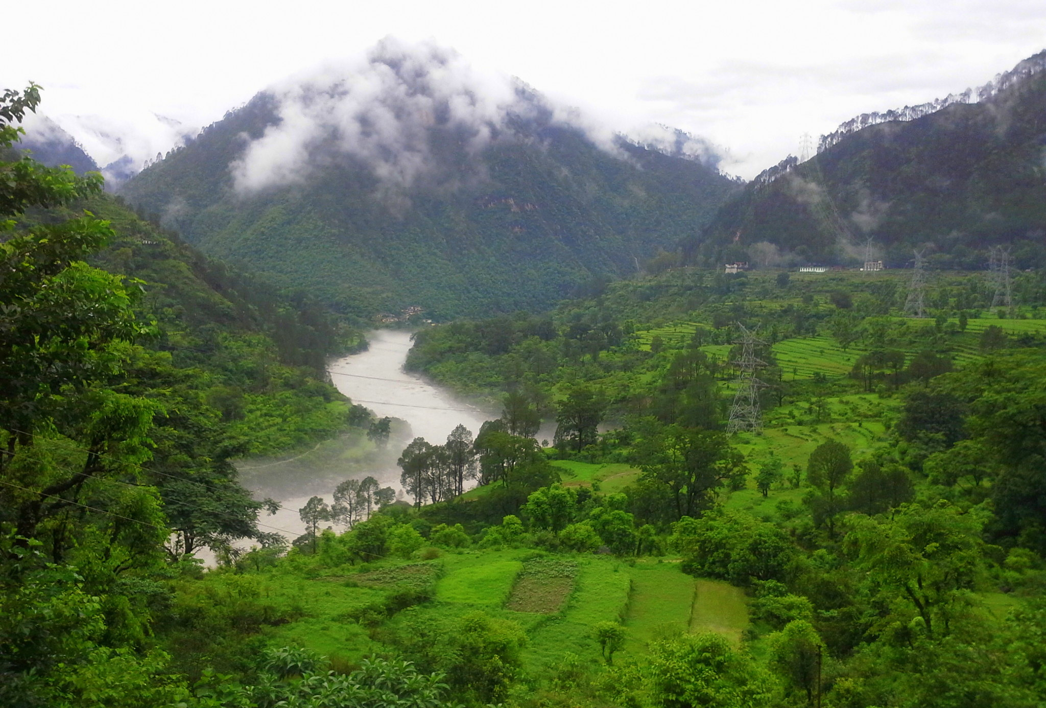 One can see beautiful scenery on the uttarakhand parayags road trip