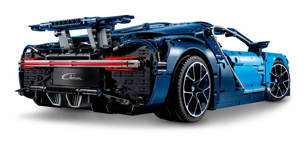 LEGO Technic Bugatti Chiron (42083) 8