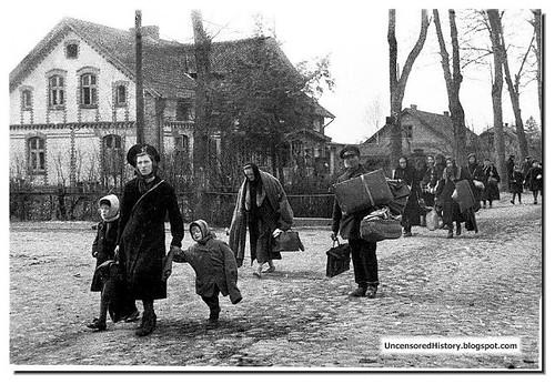 Profughi della Prussia dell'Est in fuga 1945