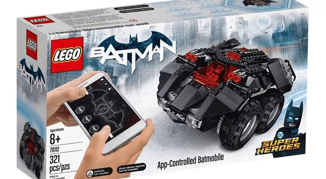 76112 App-Controlled Batmobile 1