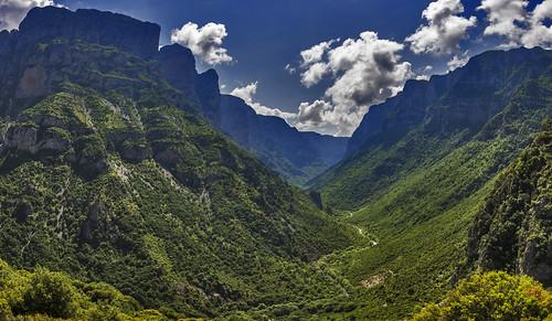 vikos gorge canyon worldheritagelistunesco nature greece epirus hellas sky clouds landscape panorama