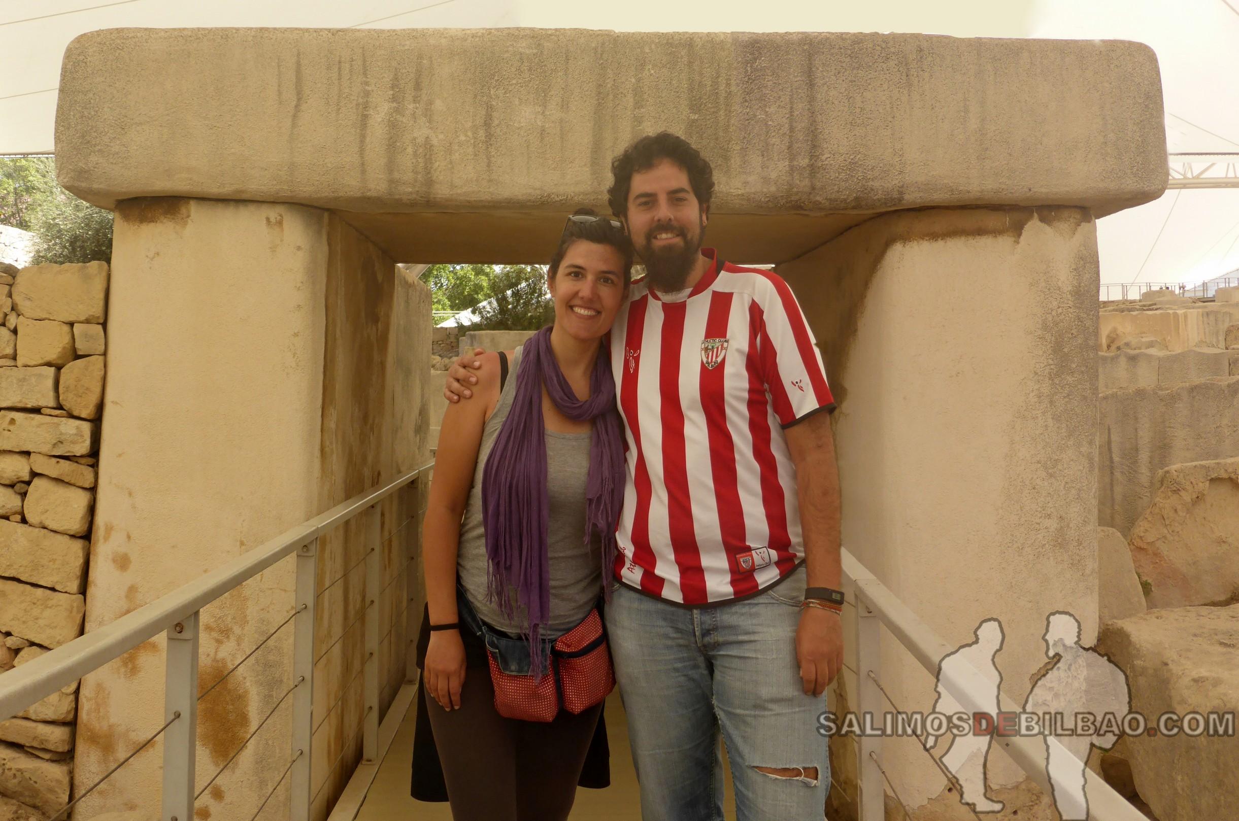 0668. Pano, Katz y Saioa, Templos Tarxien, Malta