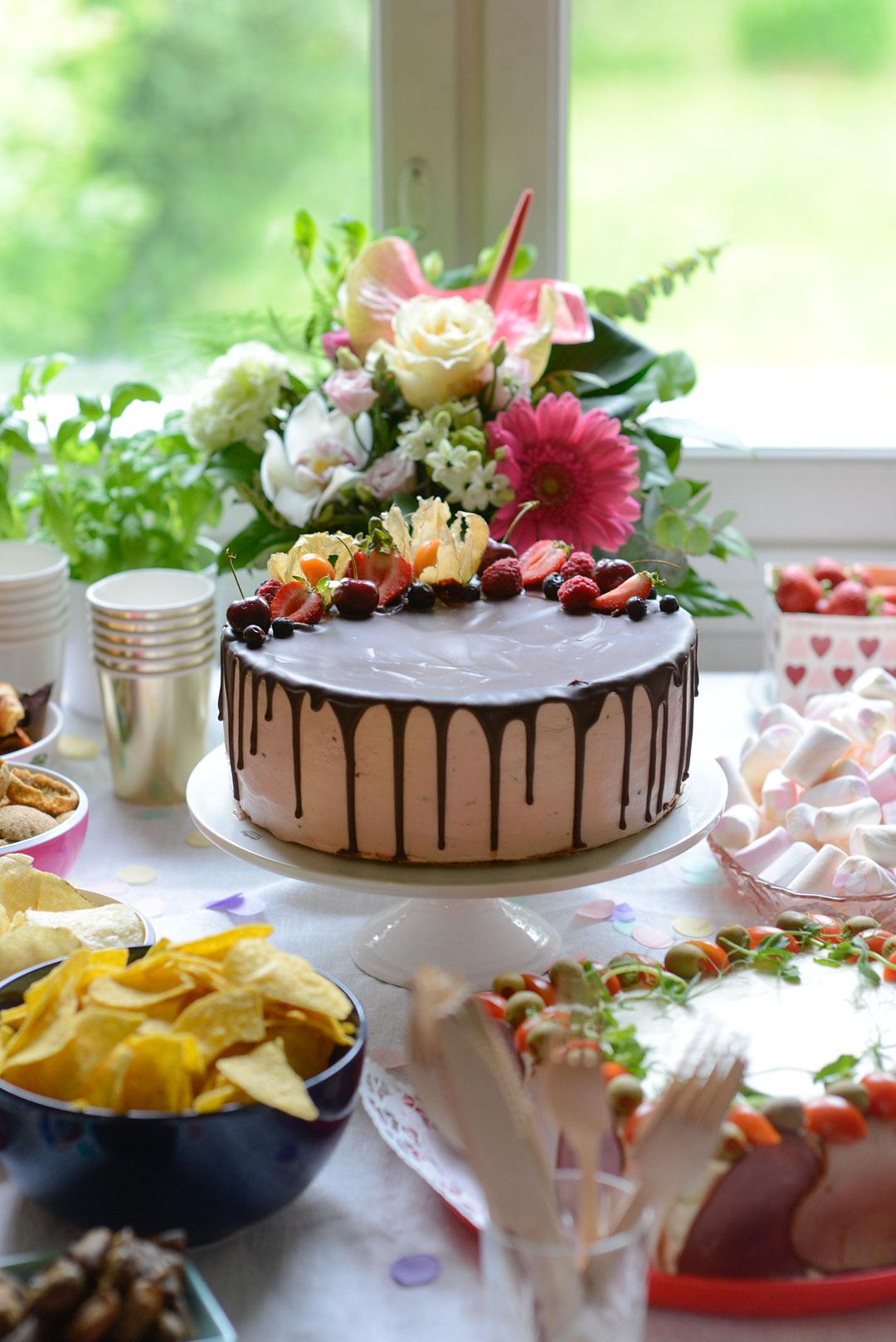 The most gorgeous vegan and gluten-free cake by Kahvila Tuokio