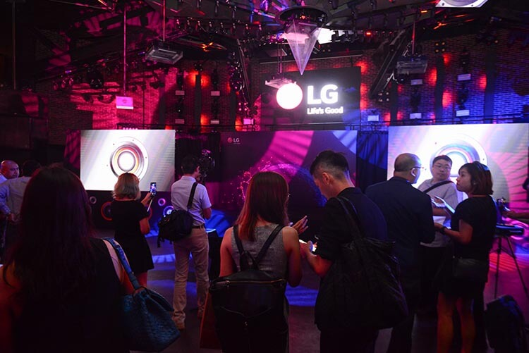 LG G7+ ThinQ Smartphone