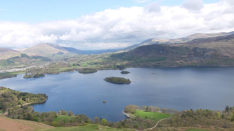 'Lago y pueblecito desde Catbells', oleo sobre foto