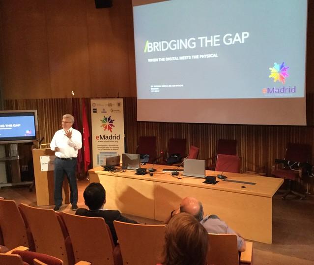 11_05_2018 Seminario eMadrid sobre «Cuando el aprendizaje físico y el digital se encuentran»