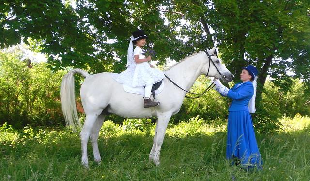 Уроки верховой езды в музее-заповеднике Тарханы, фотоиллюстрации индивидуальных занятий конным спортом