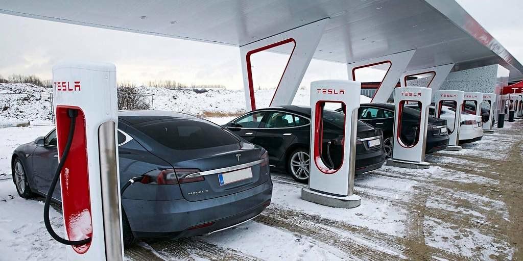 Tesla a maintenant 10 000 Superchargers avec ceux en Ontario