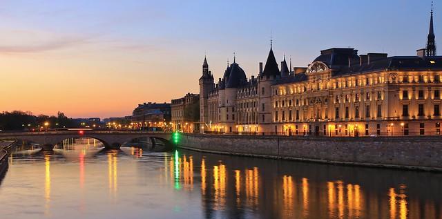 Conciergerie & Pont au Change
