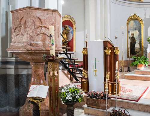 Púlpito de mármol