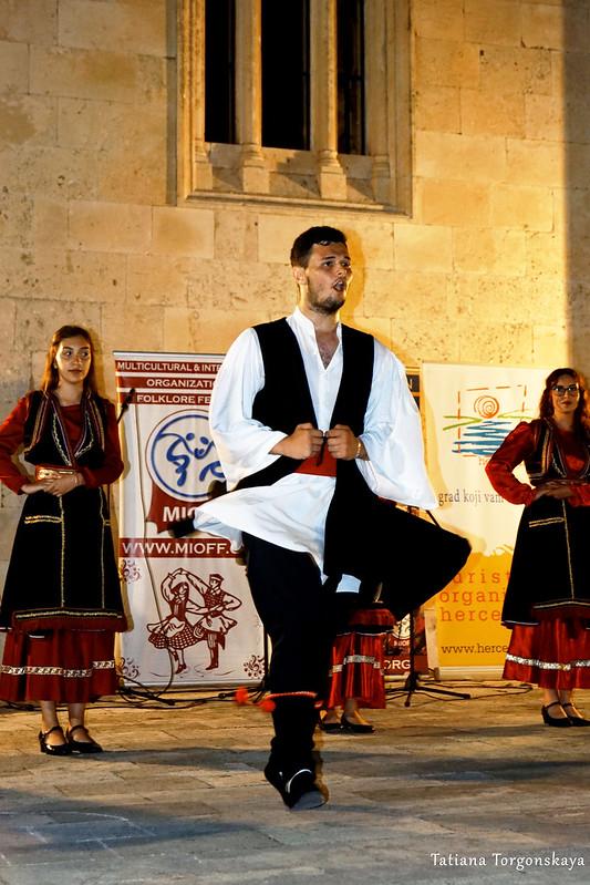 Танец румына