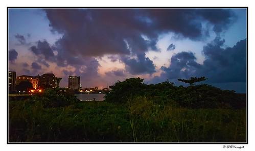 harrypwt nigeria samsungs7 s7 city landscape lagos night ekohotel victoriaisland sky colorful paintinglike framed sunrise light