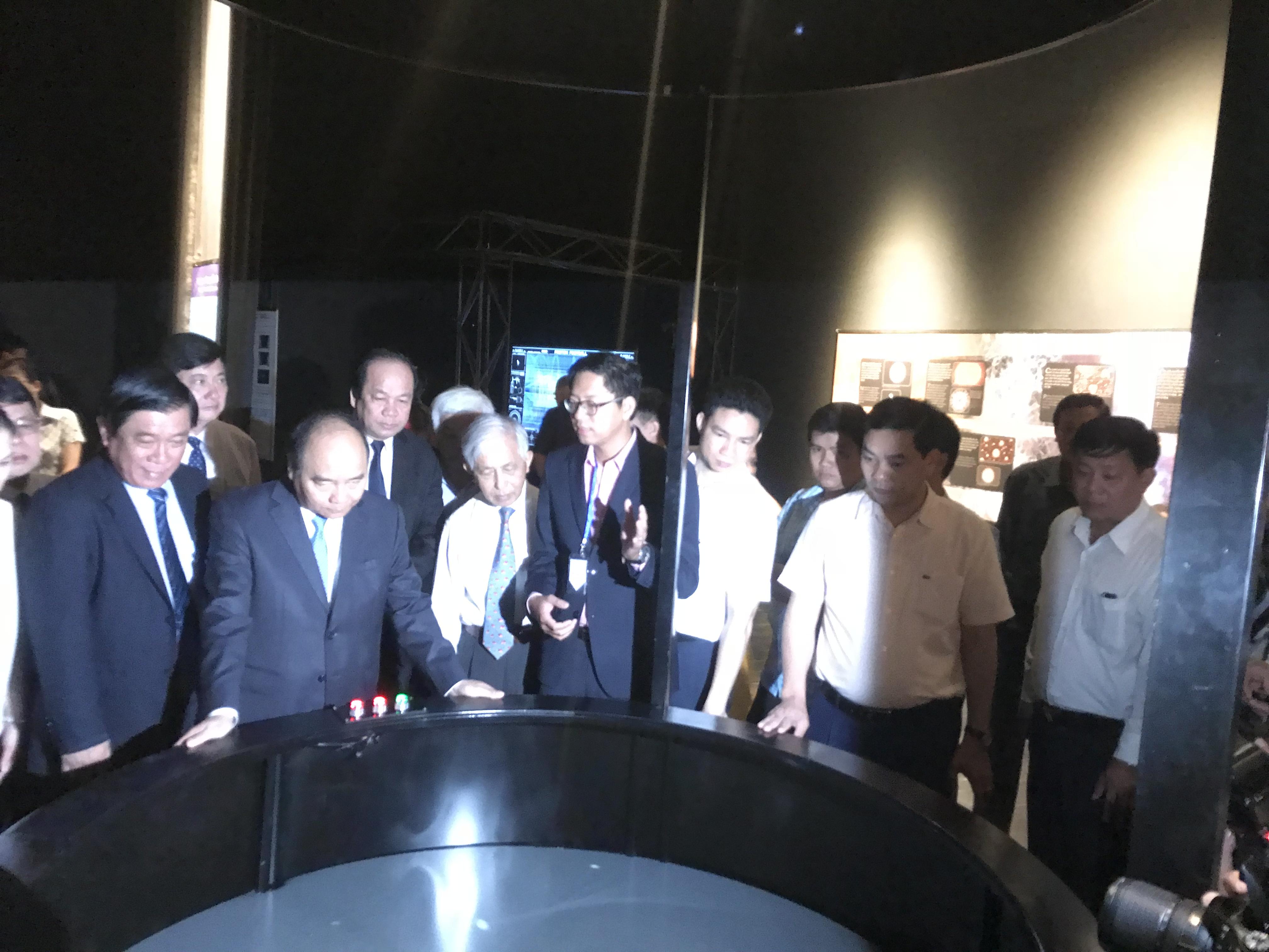 Mọi người cùng xem Mô hình lịch sử Bigbang