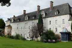 Vauchelles-lès-Domart : Château (XVIIème) - aile XVIIIème côté Est