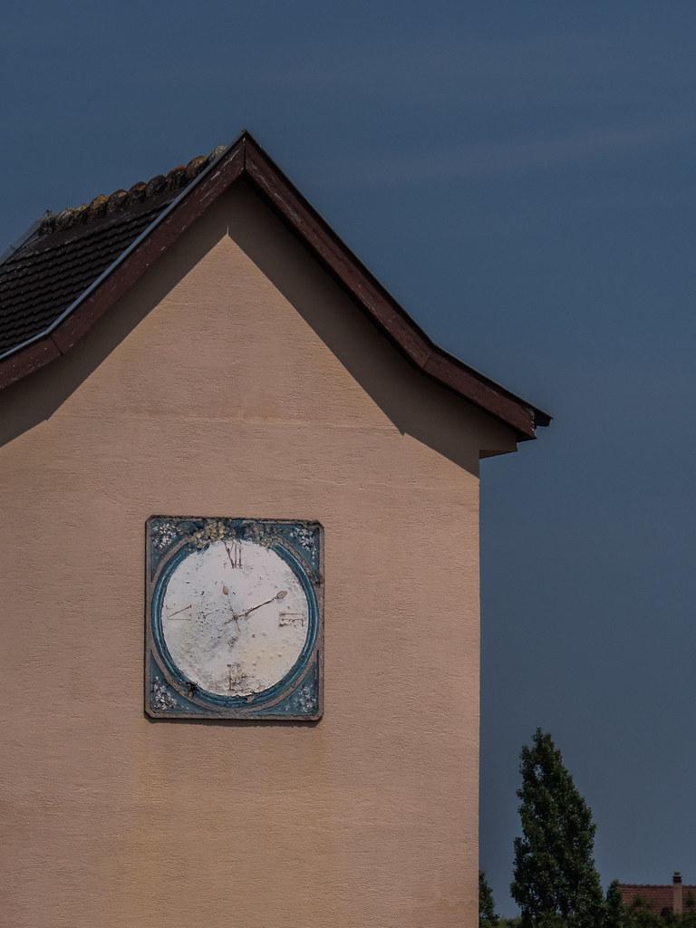 L'horloge magique de Mittelwihr... 41791798374_b12c4663d6_b