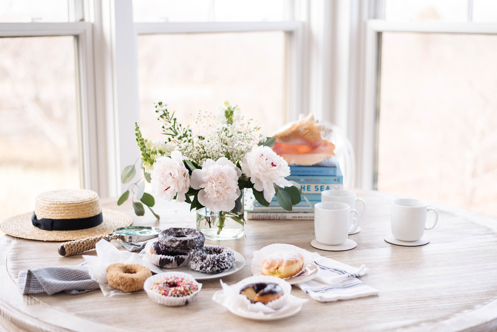 Hosting brunch with donuts on Marthas Vineyard on http://juliettelaura.blogspot.com/