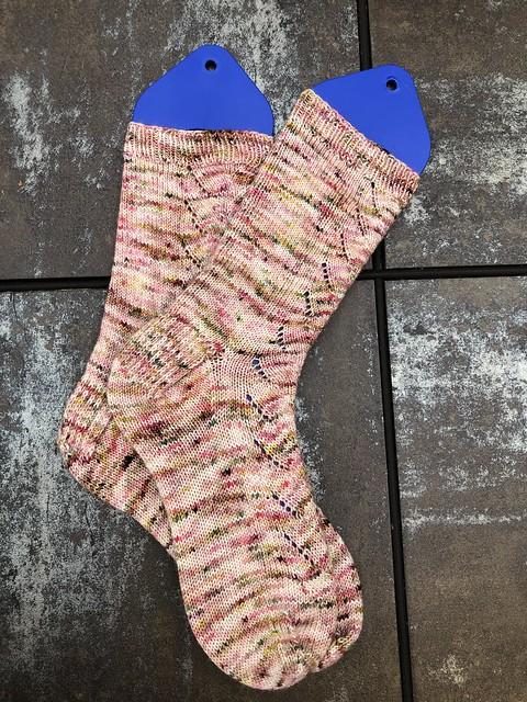 Will O' the Wisp socks FO