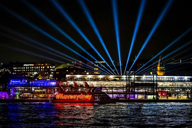 VividSydney2018_CircularQuay_Skylark_CREDITDestinationNSW_KM-7034_preview.jpeg