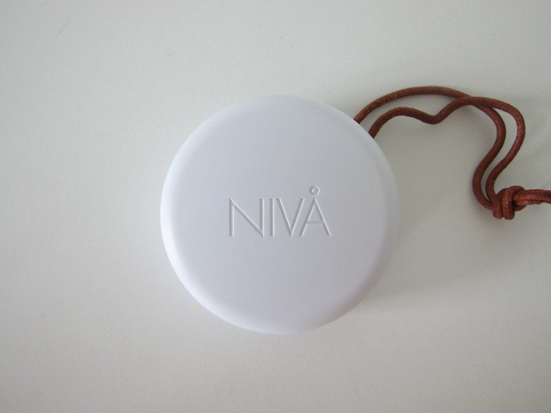 Sudio Niva - White - Charging Case - Top