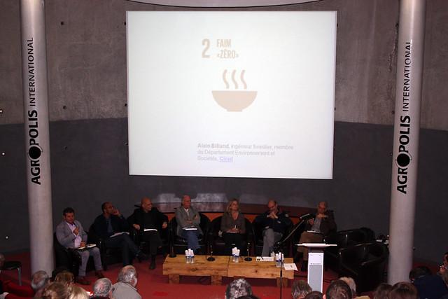 """Table ronde autour de l'ouvrae """"Un défi pour la planète : les Objectifs de Développement Durable en débat"""""""