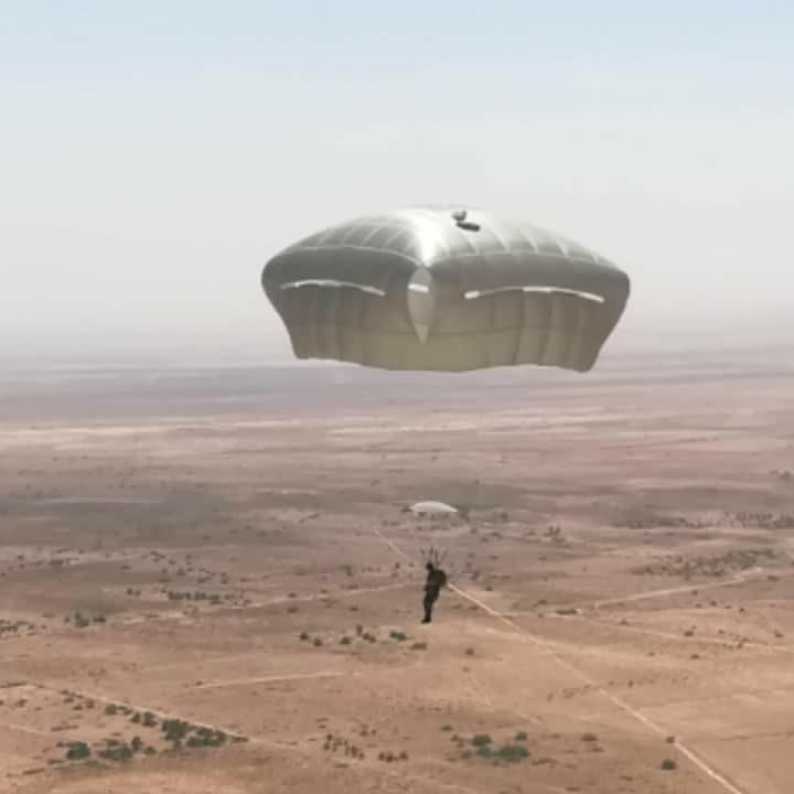موسوعة الصور الرائعة للقوات الخاصة الجزائرية - صفحة 64 28767022138_b5926857ec_b