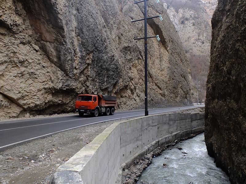 Нагорный Карабах: дороги и патриотизм