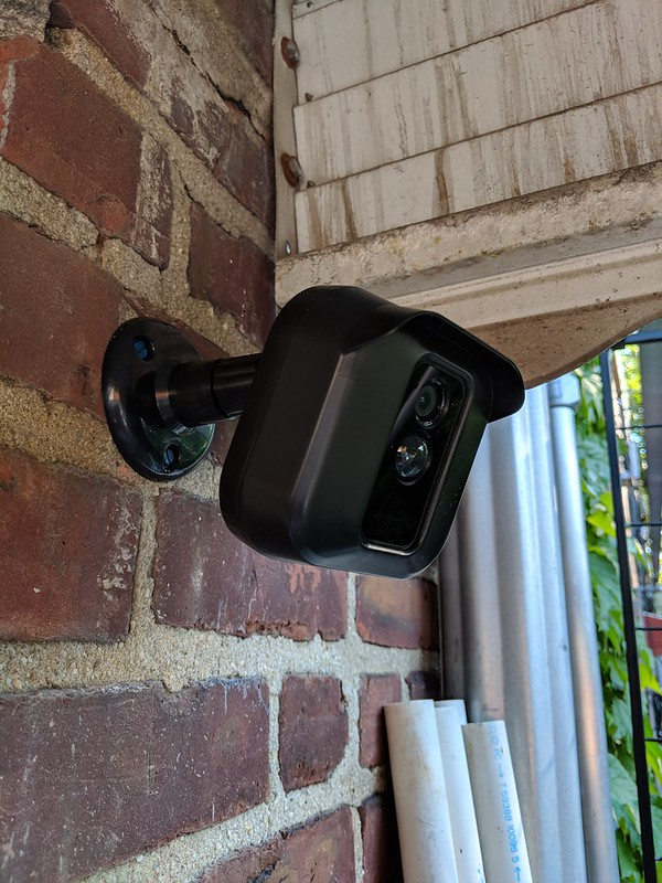 Blink XT Wall Mount Bracket is Available in Amazon Now