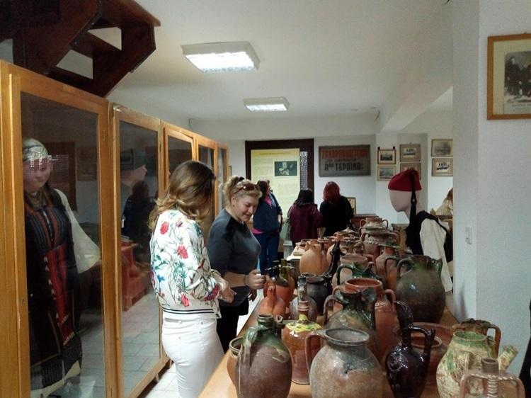 Επίσκεψη του ΣΔΕ Φλώρινας στη λαογραφική συλλογή του συλλόγου μας