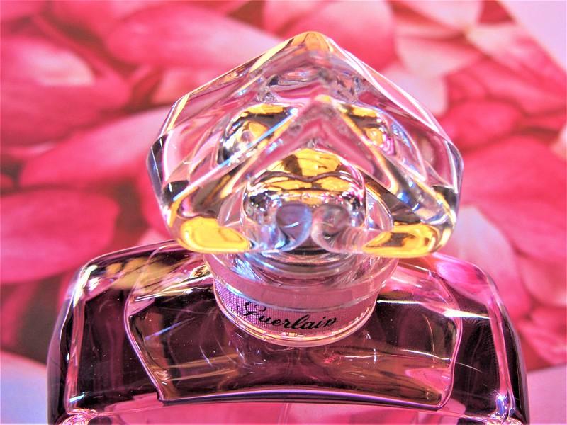 origines-parfums-eau-de-parfum-legere-la-petite-robe-noire-guerlain-thecityandbeauty.wordpress.com-blog-beaute-femme-IMG_0647 (3)