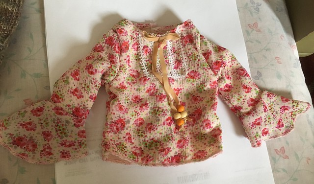 Pretty blouse for SD girls 20
