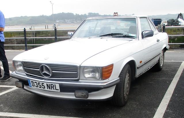 1987 Mercedes 300SL, Canon IXUS 177