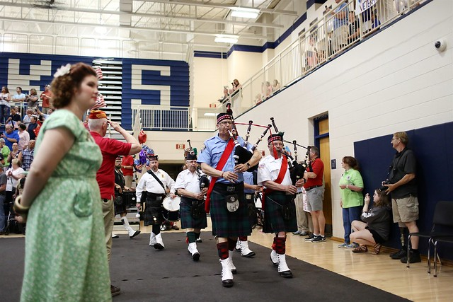 Homecoming - Bagpipers, Canon EOS 5D MARK III, Canon EF 35mm f/1.4L