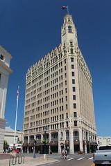 San Antonio - Downtown: Emily Morgan Hotel