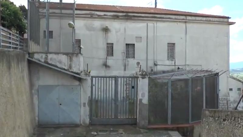 Sala. Il Dap non decide sulla riapertura del carcere. Cavallone e Castiello in silenzio stampa fino a venerdì. E Paladino attacca il Ministro.