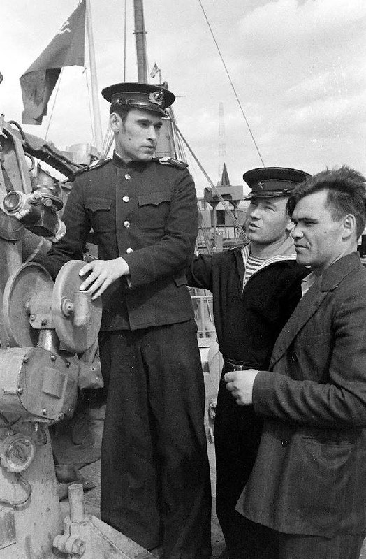Russian ship in Vigor Shipyards from Seattle the state of Washington in 1943 - Peter Stackpole - LIFE