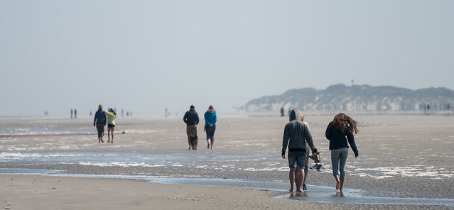 People vanish in the haze / Langeoog