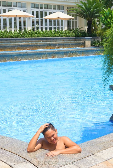 park hyatt saigon swimming pool