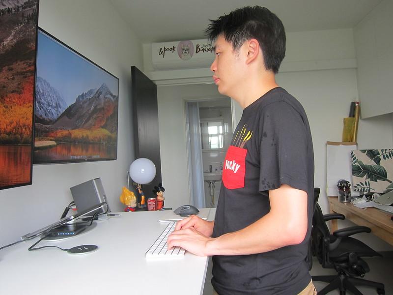ErgoEdge AmpDesk Standing Desk - Standing Posture